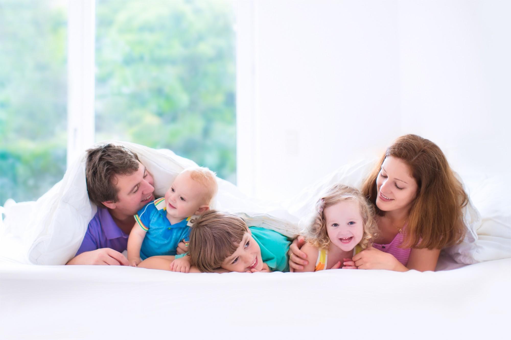 Famille profitant de sa thermopompe